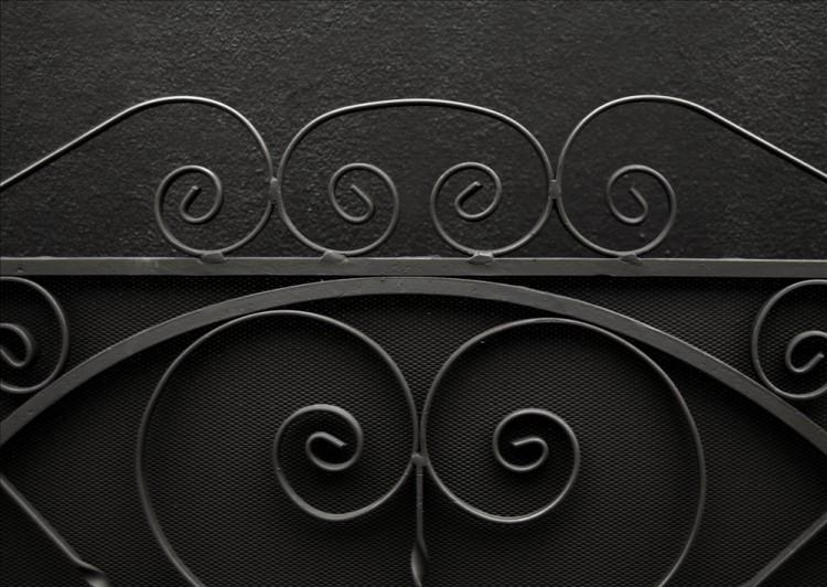 A LARGE ENGLISH WROUGHT IRON FIRESCREEN-Detail1