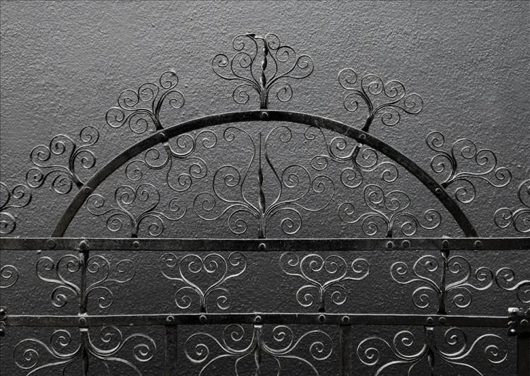 A DELICATELY SCROLLED WROUGHT IRON FIRESCREEN-Detail1