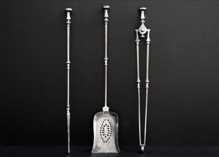 AN ELEGANT SET OF 19TH CENTURY ENGLISH STEEL FIRETOOLS