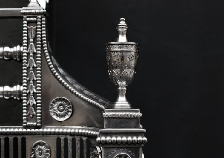 A BEAUTIFULLY ENGRAVED GEORGIAN STYLE STEEL FIREGRATE-Detail2