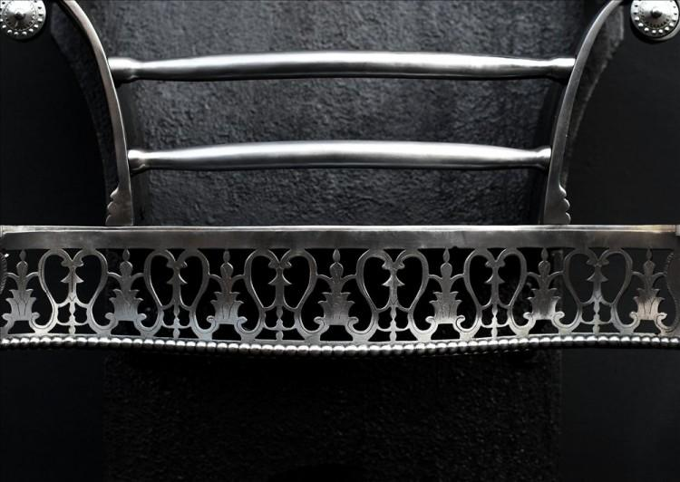 AN ATTRACTIVE QUEEN ANNE STYLE POLISHED STEEL FIREGRATE-Detail2