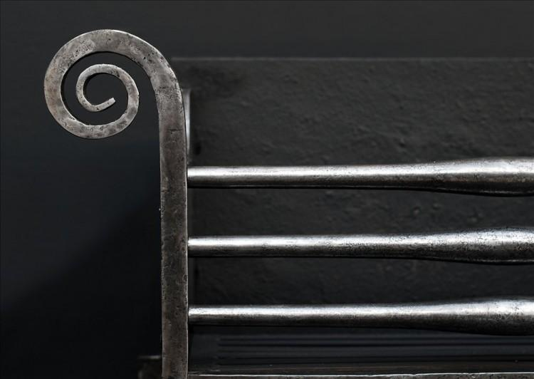 A LARGE SCROLLED WROUGHT IRON FIREBASKET-Detail1