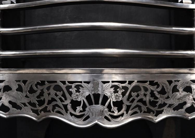 A GOOD QUALITY GEORGIAN STYLE ENGLISH STEEL FIREGRATE-Detail1
