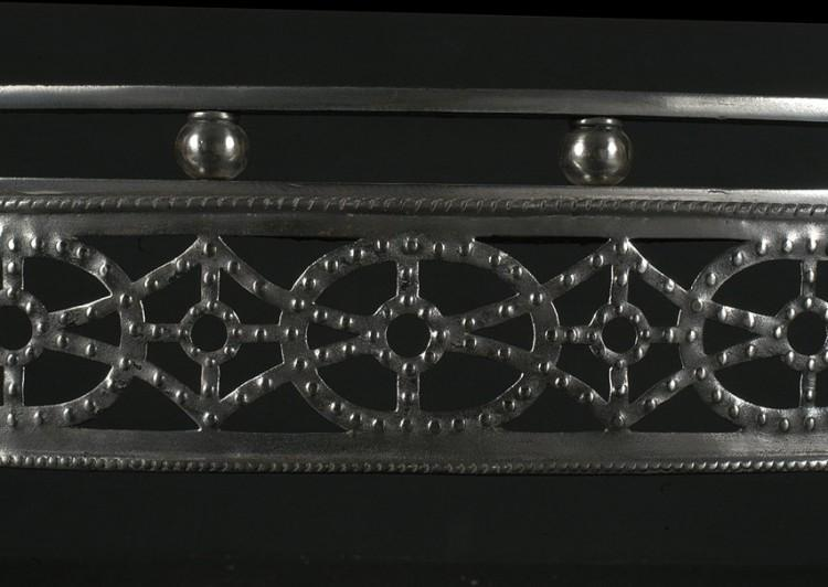 A 19TH CENTURY ENGLISH STEEL REGISTER GRATE WITH GUNMETAL DETAILING-Detail3
